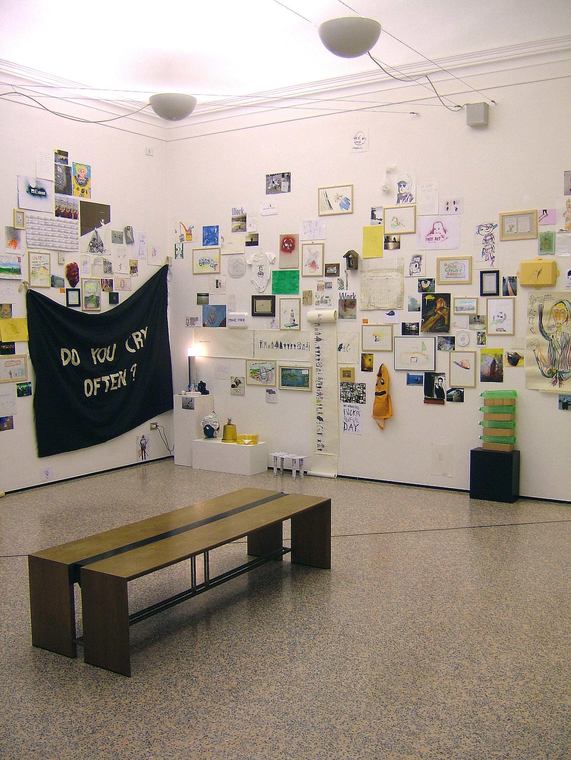 UQ0501 2005, installazione per il festival Spina di Comacchio, a cura di Stefano Questioli